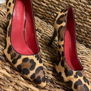 Nine West Leopard print pumps, size 6